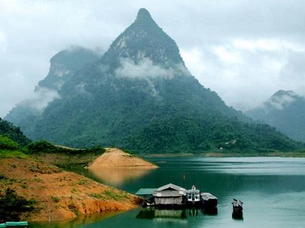 Cặp bài trùng gỏi cá – rượu ngô nổi tiếng đất Tuyên Quang