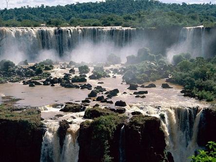 Brazil, đất nước lớn nhất Nam Mỹ