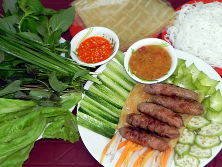 Tìm về Nha Trang thưởng thức món nem nướng Ninh Hòa cực ngon