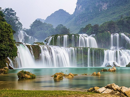 Bản Giốc, đẹp mê hồn mùa thác đổ